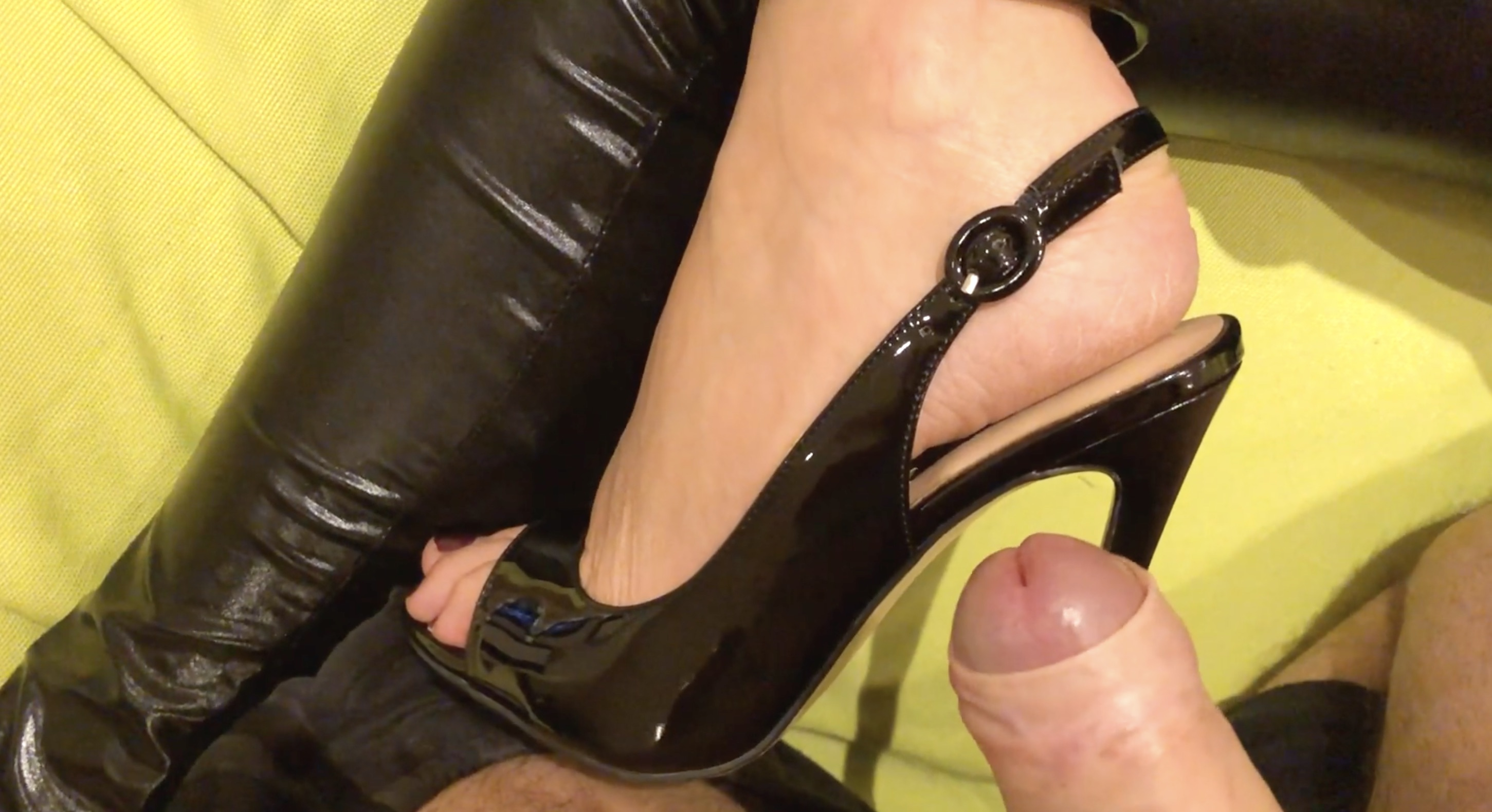masturbate high heels